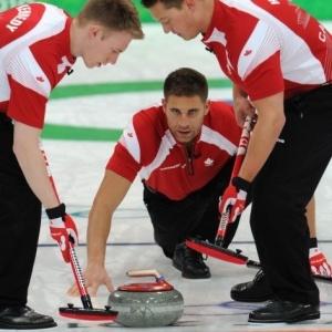 Canadá venceu os Estados Unidos por 7 a 2 pela 10ª rodada do curling masculino