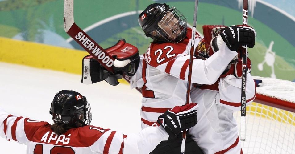 Canadenses comemoram vitória sobre os EUA no hóquei feminino e ficam com o ouro