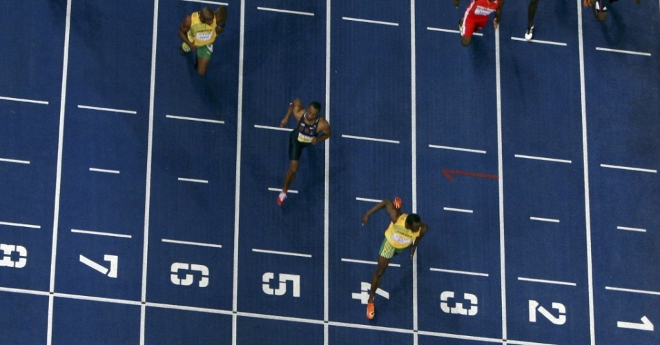 Bolt (4), Gay (5) e Powell (6) cruzam a linha de chegada no Mundial da Alemanha, em 2009