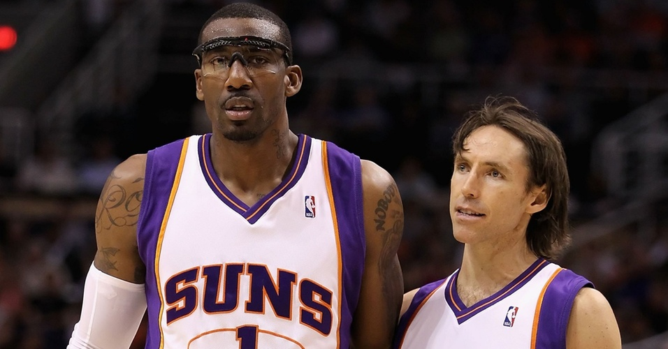Amare Stoudemire e Steve Nash durante jogo dos Suns pela NBA