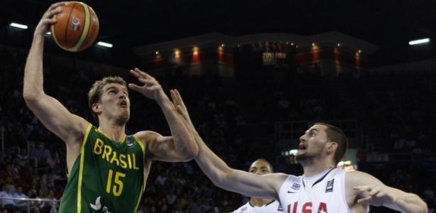 Derrota do Brasil para os EUA repercute no Twitter e recebe comentário de  LeBron - 30 08 2010 - UOL Esporte - Basquete 8fb115f681ec8