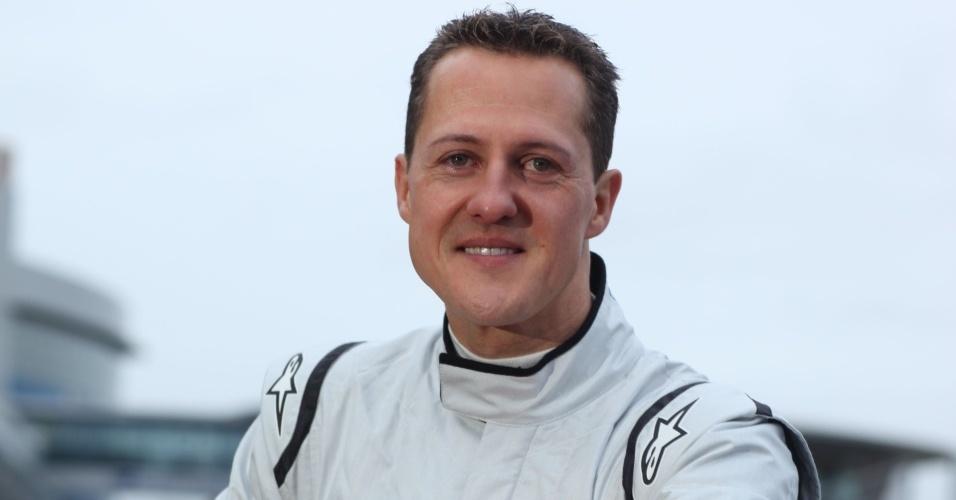 Michael Schumacher teve treino interrompido pela chuva, mas disse estar com