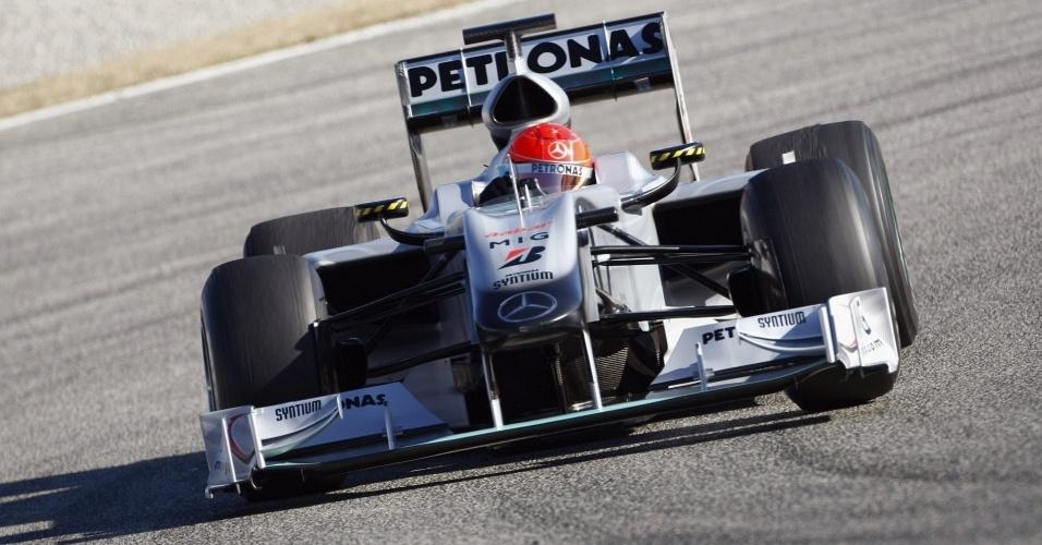Michal Schumacher pilota a Mercedes em testes na cidade de Valência