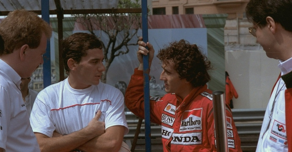 Ayrton Senna e Alain Prost conversam durante o GP de Mônaco de 1988