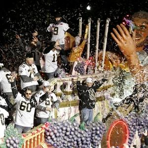 Jogadores do New Orleans Saints fazem festa pela conquista do Super Bowl de 2010