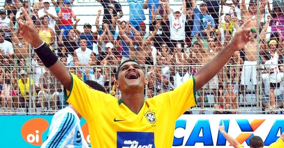 André comemora gol do Brasil na Copa Latina