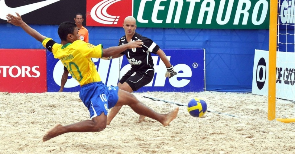 Benjamin marca para o Brasil contra o Uruguai