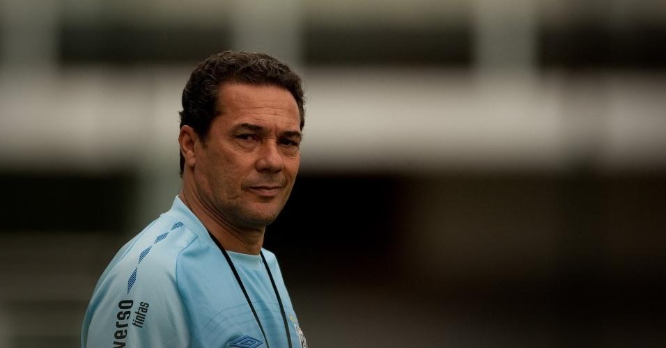 Luxemburgo comanda treino do Santos