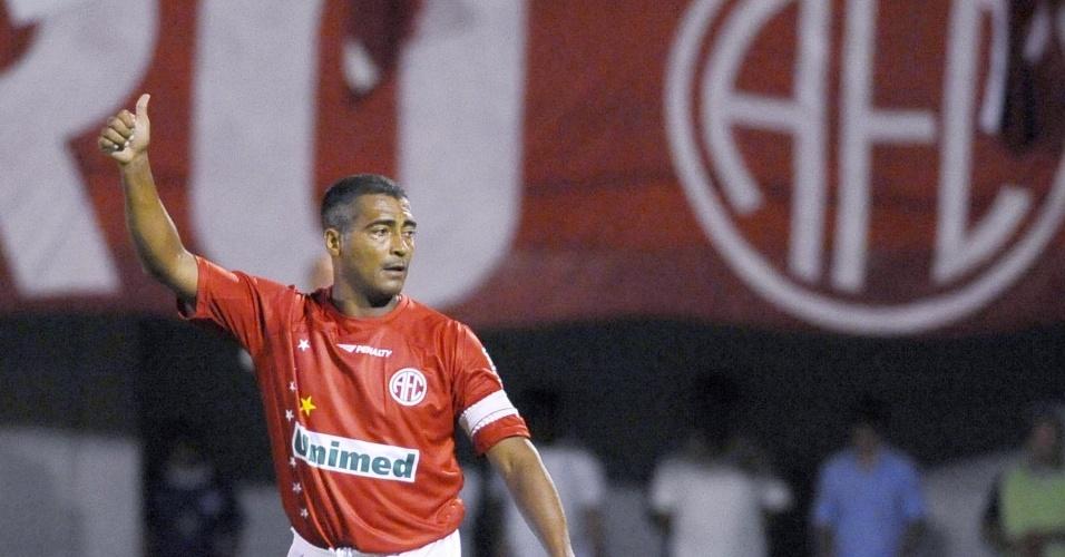 Romário retorna aos gramados em jogo que deu título da 2ª Divisão do RJ ao América-RN