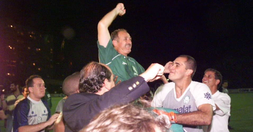 Marcos celebra título com Luiz Felipe Scolari