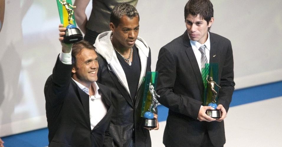 Petkovic supera Marcelinho e Conca e ganha o prêmio de melhor meia-esquerda do Campeonato Brasileiro de 2009