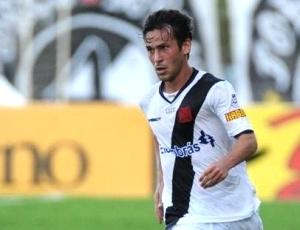 http://e.i.uol.com.br/esporte/futebol/2009/12/16/enrico-meia-atacante-do-vasco-1260993571722_300x230.jpg