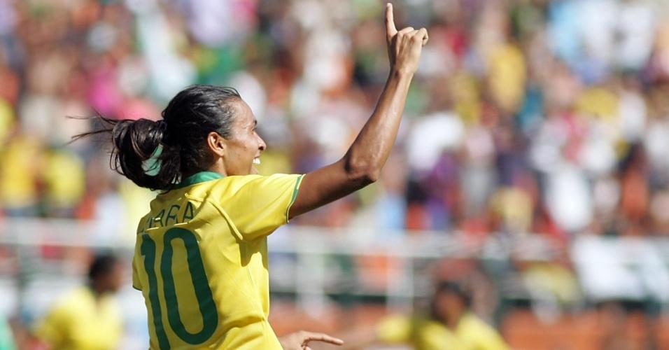 Marta vibra ao marcar para o Brasil na final do Torneio Cidade de São Paulo de futebol feminino contra o México