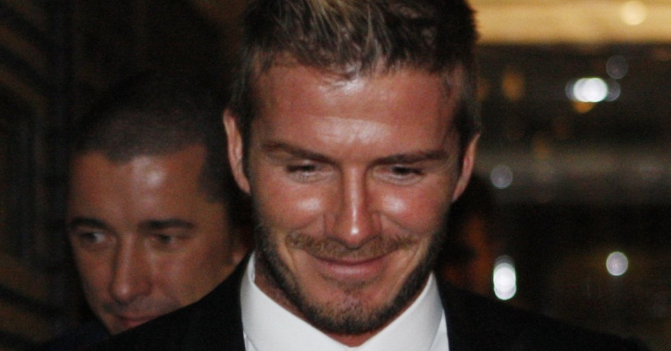 Beckham sai de sua primeira coletiva no Milan
