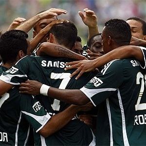 Jogadores do Palmeiras comemoram contra o Mogi Mirim