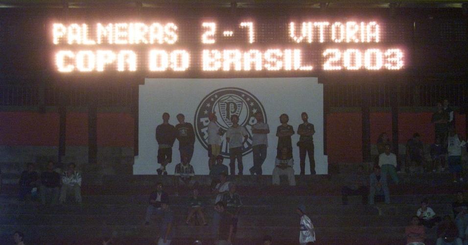 Vitória goleia o Palmeiras na Copa do Brasil de 2003