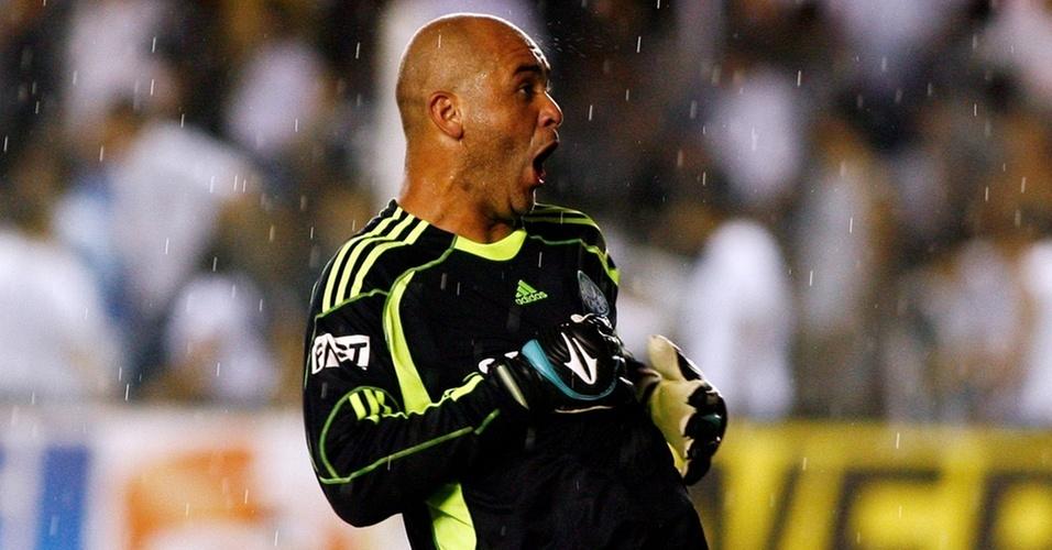 Marcos comemora a vitória do Palmeiras sobre o Santos na Vila Belmiro
