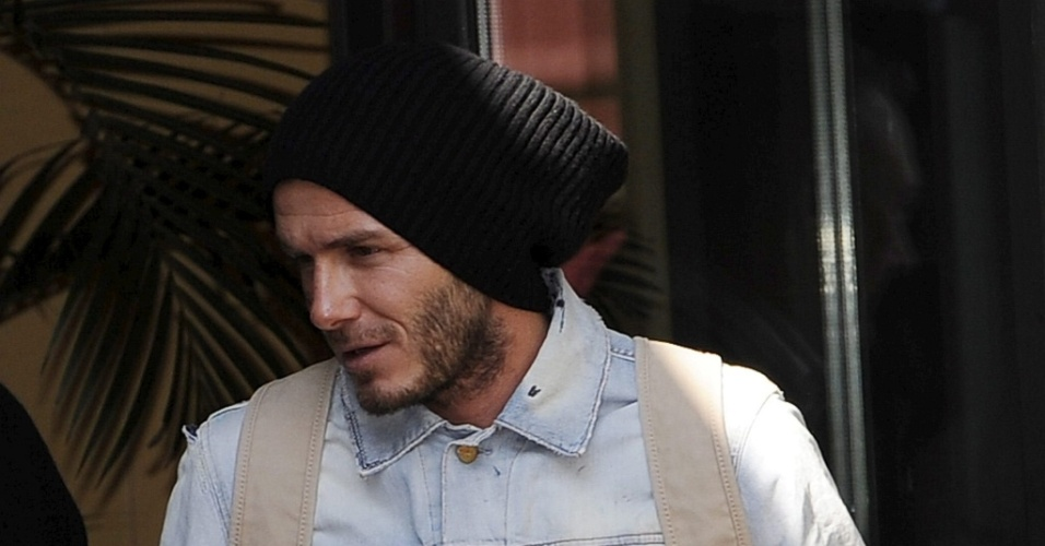 Beckham chega à Finlândia para ser operado