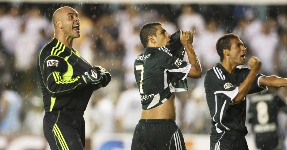 Marcos e Diego Souza comemoram vitória do Palmeiras no clássico com o Santos