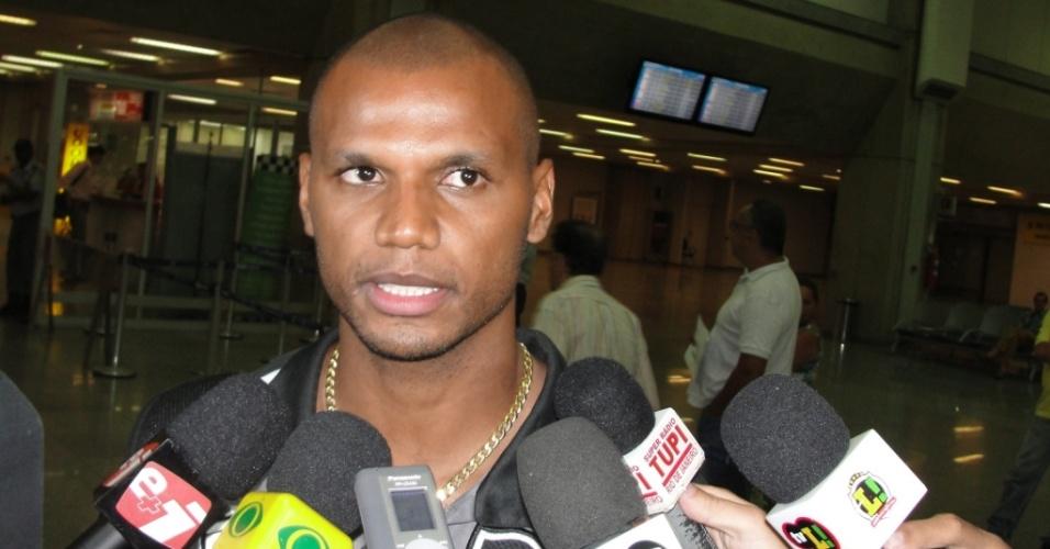 Jefferson concede entrevista após o desembarque do Botafogo
