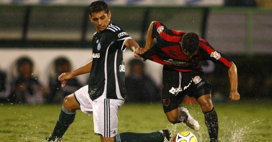 Diego Souza jogou no segundo tempo do empate sem gols contra o Oeste