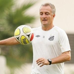 Dorival Júnior bancou a escalação de Ganso e Neymar. Técnico pretende  poupar Léo e Robinho 36d6254fc5432