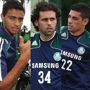 Trio de meias do Palmeiras poderá começar uma partida pela primeira vez nesta quinta-feira