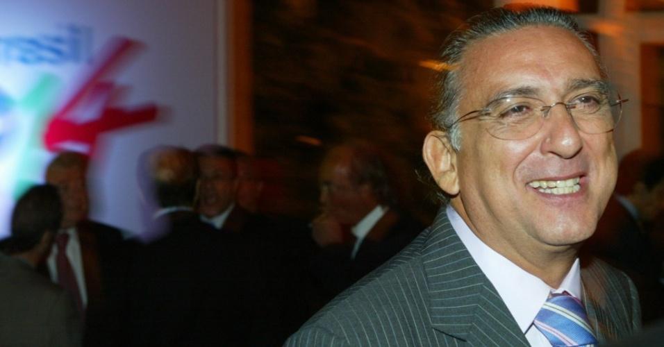 Galvão Bueno em restaurante de São Paulo