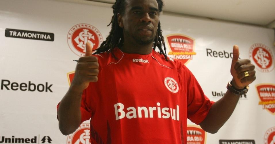 Paulo César Tinga em coletiva no Beira-Rio