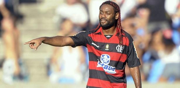 Vagner Love estaria perto de vestir a camisa do Flamengo pela segunda vez na carreira
