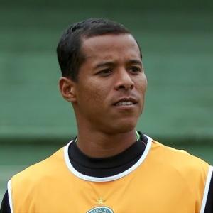 <b>Marcos Aurélio</b> se prepara para voltar a jogar pelo Coritiba, após 2 meses e ... - atacante-do-coritiba-marcos-aurelio-1277845203214_300x300