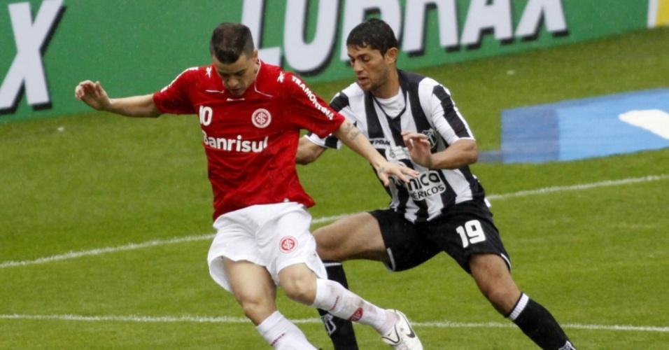 D'Alessandro em ação pelo Inter diante do Ceará