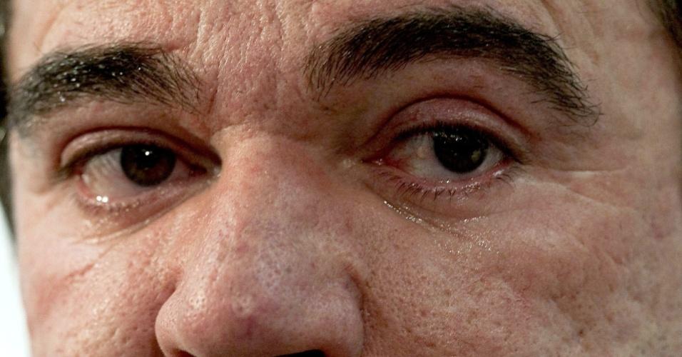 Presidente Andres Sanches chora no anúncio de Mano
