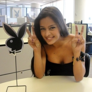 Larissa Riquelme assina para posar nua na Playboy