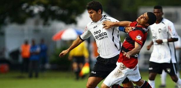 Botafogo vence Vitória por 3 a 1, no Barradão