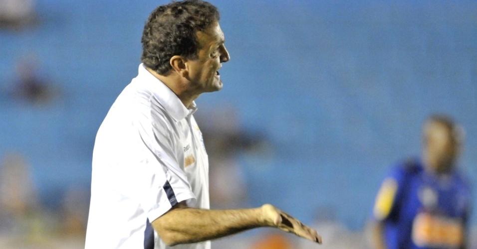 Cuca durante empate do Cruzeiro com o Prudente