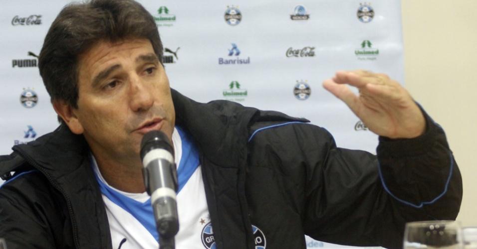 Renato Gaúcho concede entrevista coletiva