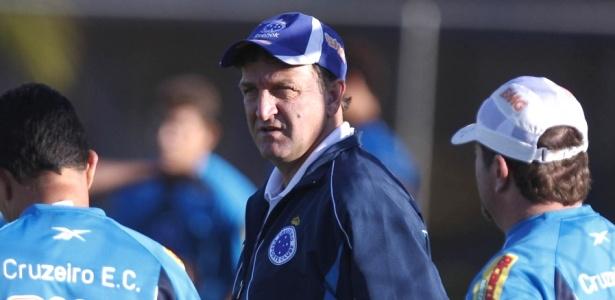 Cuca comanda treino no Cruzeiro