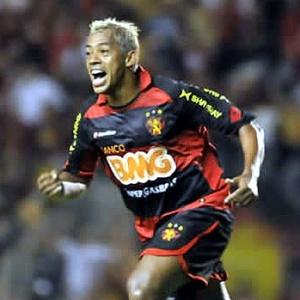 Marcelinho Paraíba fará a sua estreia pelo Barueri neste sábado, em jogo contra Vitória, pela Série B