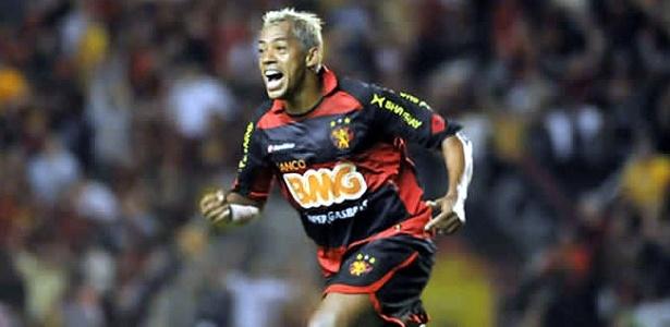 Marcelinho Paraíba comemora primeiro gol com a camisa do Sport (19.ago.2010)