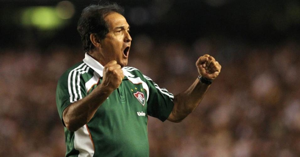 Muricy Ramalho comemora o gol de empate do Fluminense no clássico contra o Vasco no Maracanã