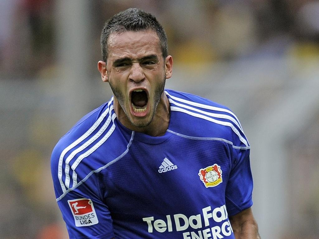 Renato Augusto comemora gol marcado pelo Bayer Leverkusen contra o Borussia Dortmund