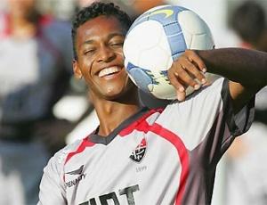 O meia-atacante Marquinhos em sua primeira passagem pelo Vitória