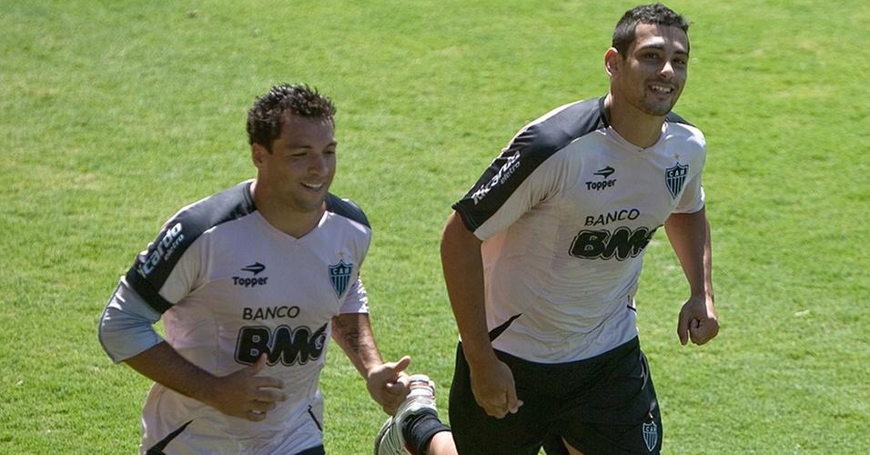 Daniel Carvalho e Diego Souza em atividade no Atlético-MG
