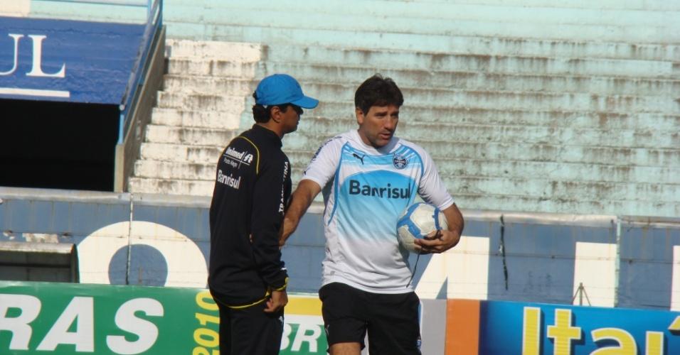 Renato Gaúcho em treinamento do Grêmio