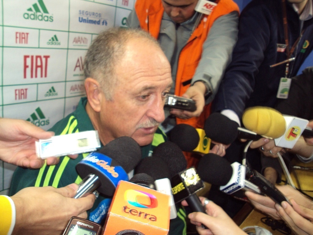Luiz Felipe Scolari concede entrevista no estdio Olmpico