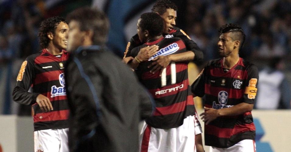 Jogadores do Flamengo comemoram gol sobre o Grêmio