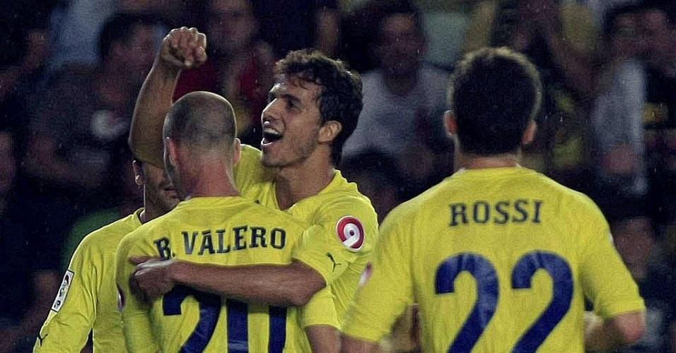 Nilmar comemora após deixar o Villarreal em vantagem contra o Deportivo La Coruña