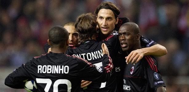 5ddd350a8251a Robinho é vaiado em empate entre Milan e Ajax  Real Madrid vence Auxerre -  28 09 2010 - UOL Esporte - Futebol