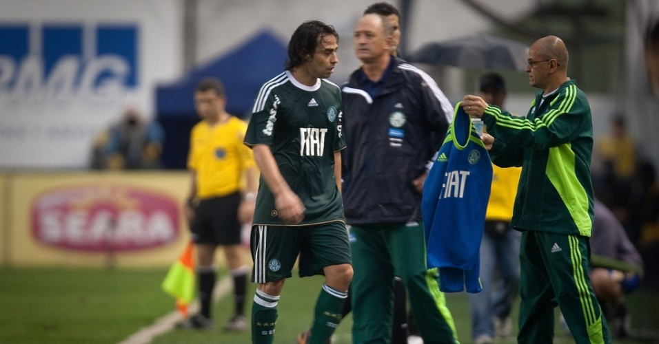 Com a melhora de Valdivia, o Palmeiras de Felipo est numa boa sequncia no ano